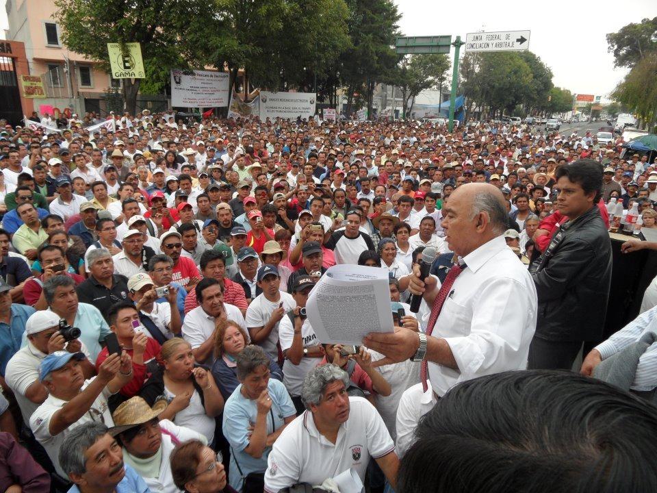 Titular del SME denuncia a Calderón y Peña por extinción de Luz y Fuerza y reitera su apoyo a AMLO para rescatar la soberanía eléctrica
