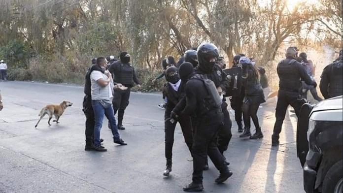 [Video] Feministas denuncian agresiones y represión por parte de la policía de Cuautitlán; pedían justicia por Ambar Viridiana julioastillero.com
